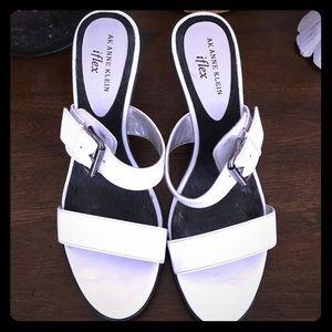 Anne Klein sandals 👡
